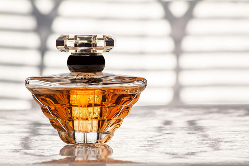 Best Sandalwood Colognes 2020 - Top 12 Fragrances